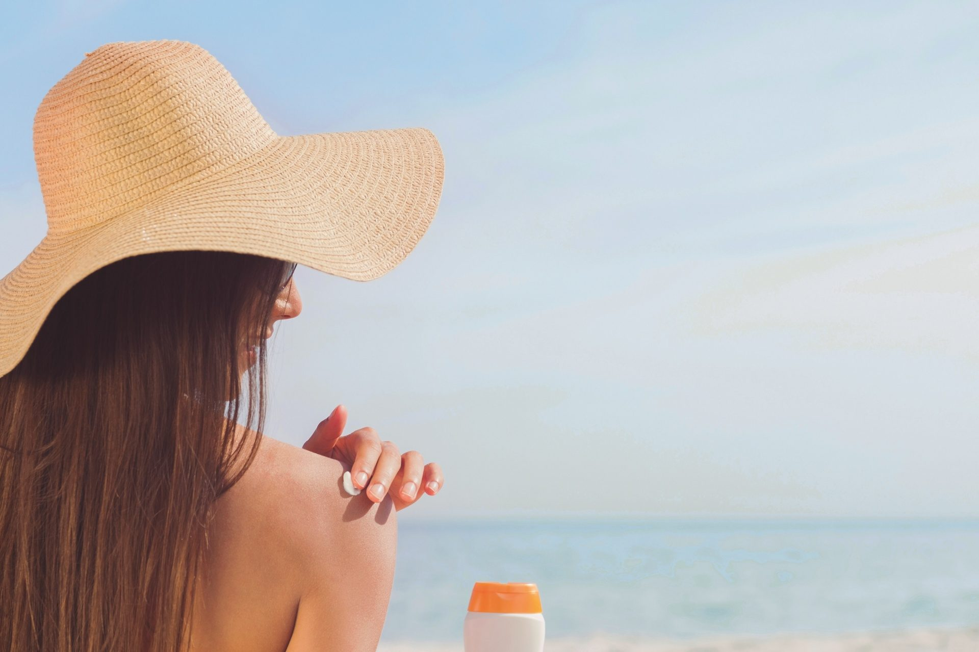 The Importance of Wearing Sunblock